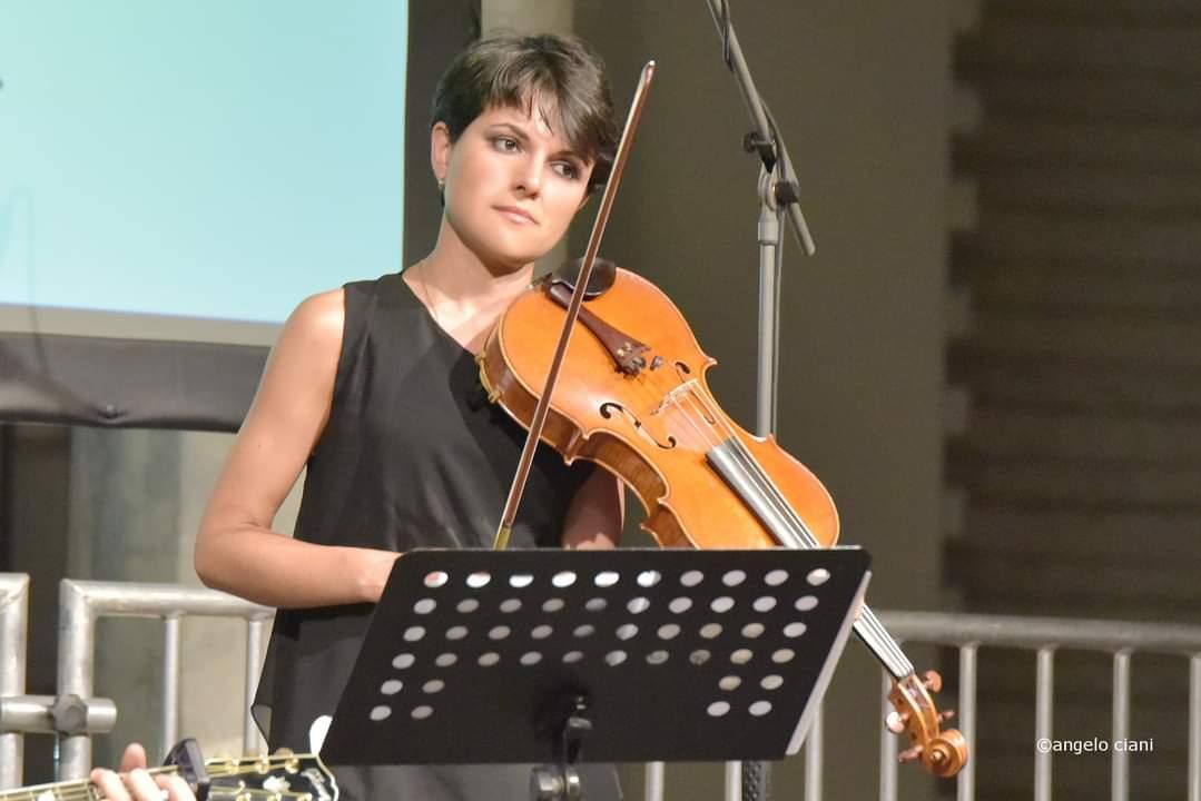 Ph. V. Santi, Genova, PAOLA TAGLIAFERRO SINGS GREG LAKE (Festival Internazionale di Poesia ' Parole Spalancate')